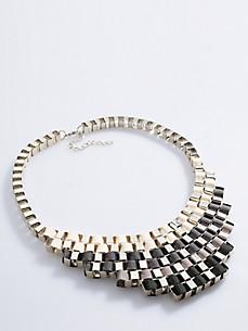Emilia Lay - Le collier