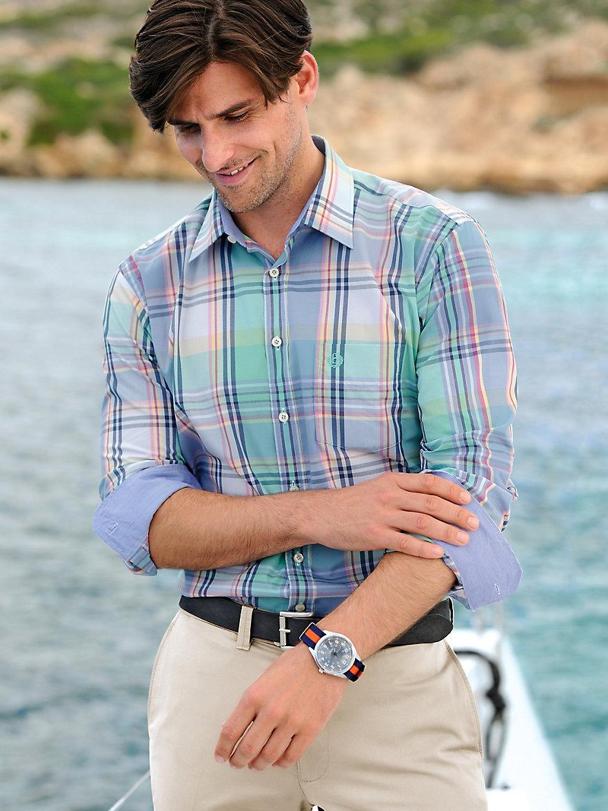 Blog homme comment porter une chemise avec style et au - Comment porter une chemise transparente ...