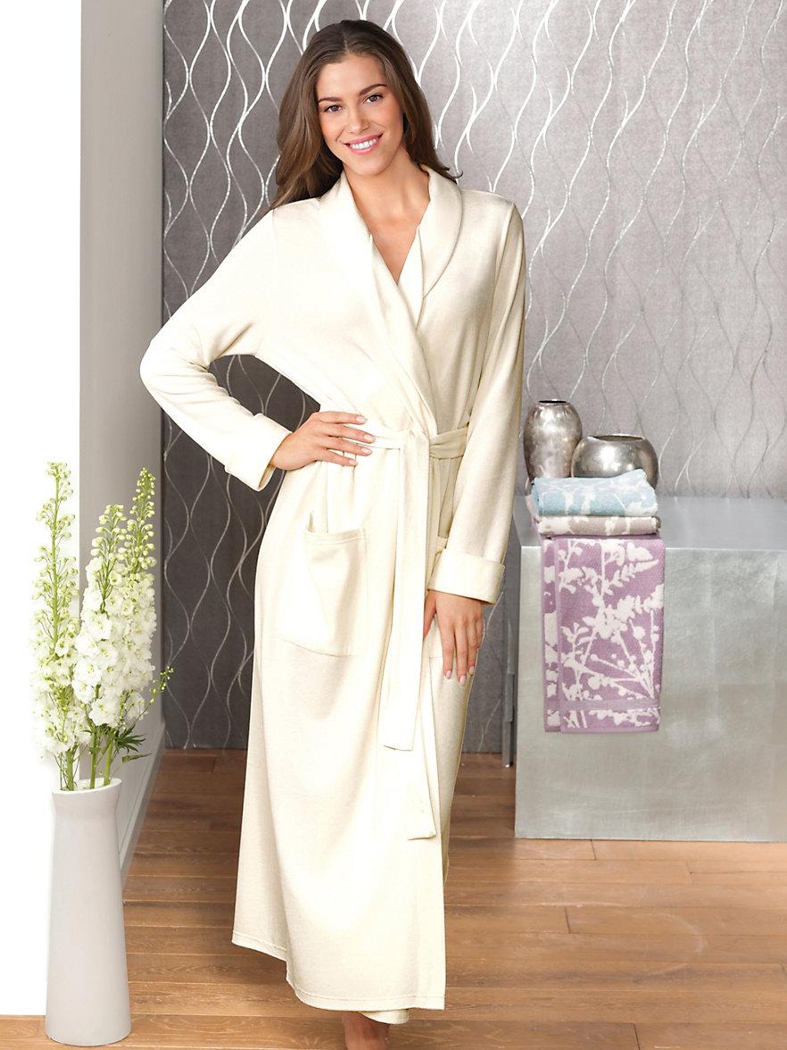 charmor la robe de chambre en velours ras champagne. Black Bedroom Furniture Sets. Home Design Ideas