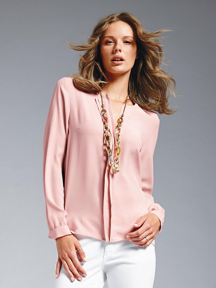 b6e14c50debd Je veux trouver une belle chemise femme et agréable à porter pas cher ICI Chemisier  rose pale