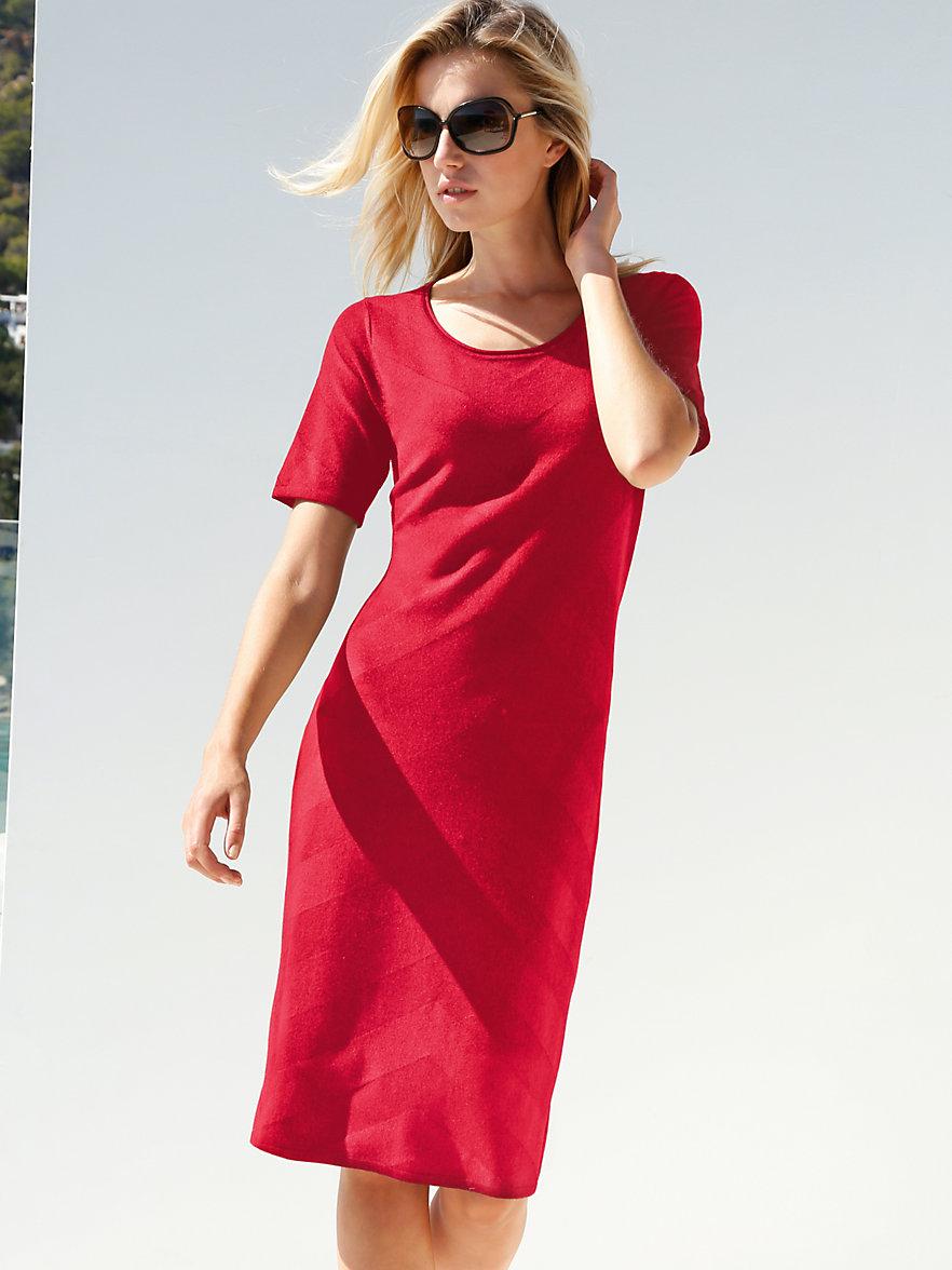 peter hahn la robe rouge. Black Bedroom Furniture Sets. Home Design Ideas