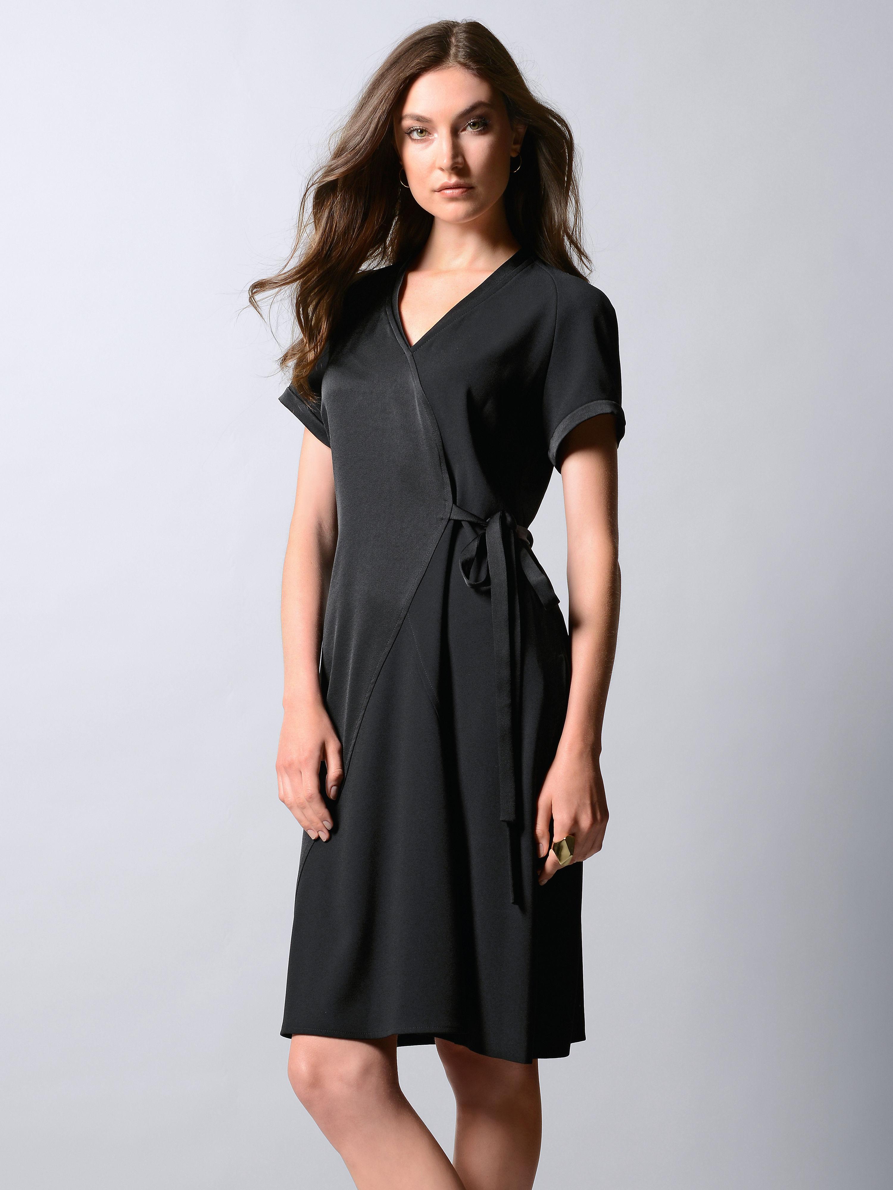 La robe de Strenesse noir taille 46